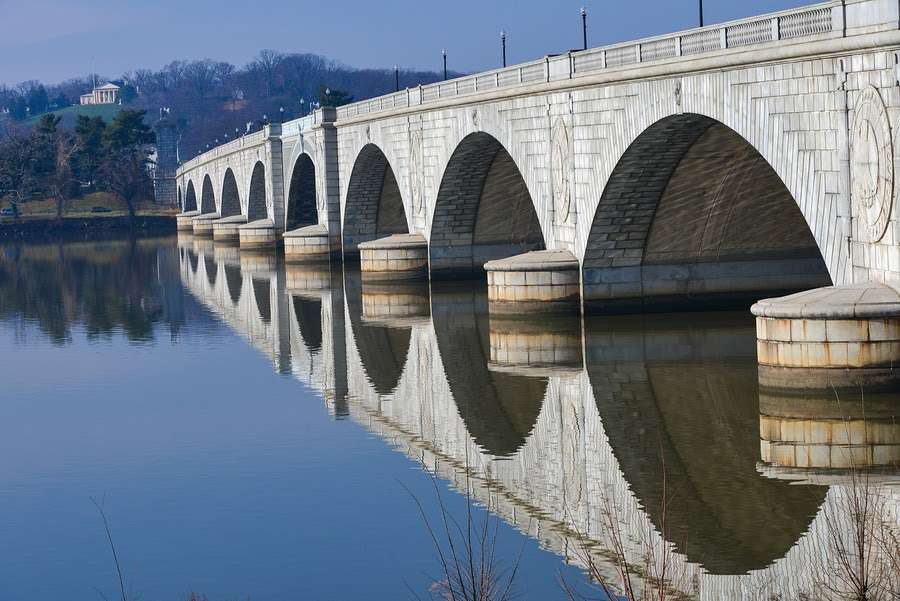 Bridge over Potomac that needs to be ungraded as an example of infrastructure upgrade needs