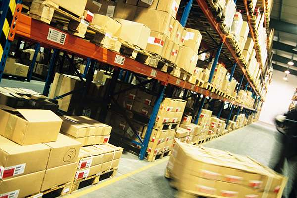 The Advantages of a Temporary Warehouse Space